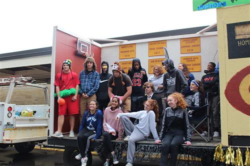 The GHS junior's float is pictured.
